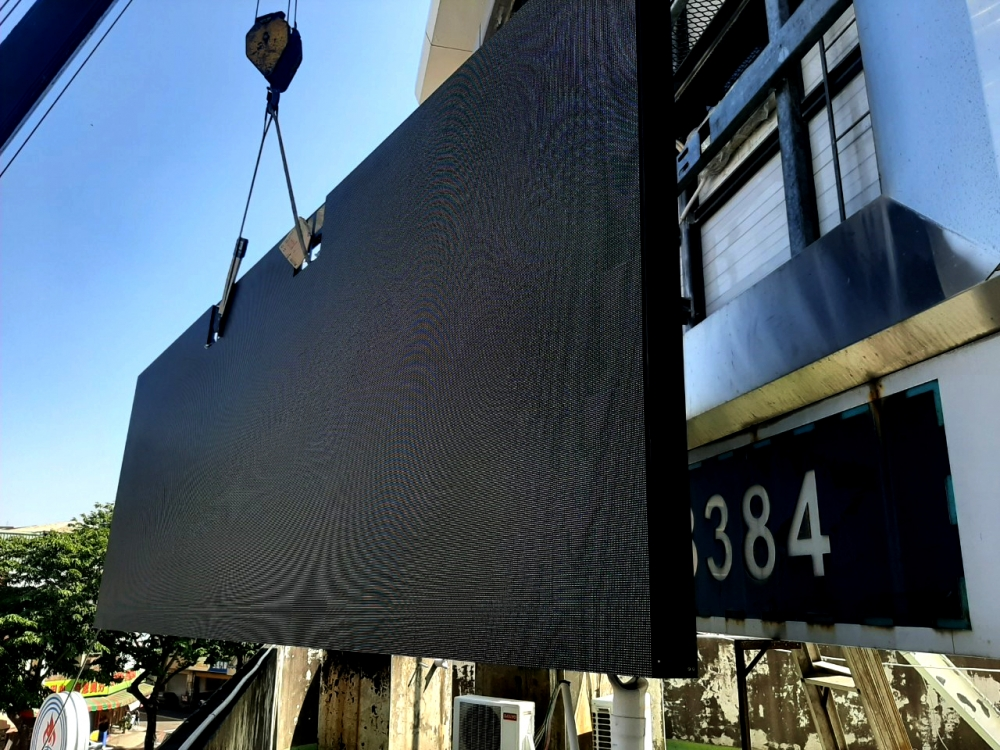 Zongxing gas station Replace with a new -P5 Outdoor LED Video Wall -2